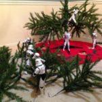 Stormtroopers construire l'arbre de Noël ensemble