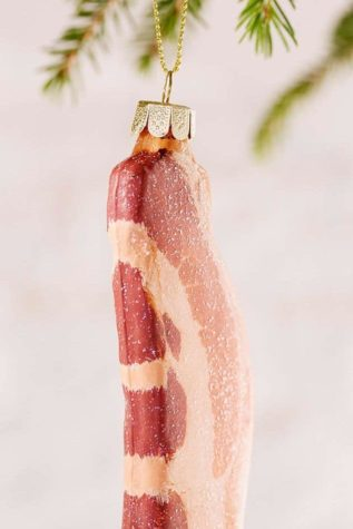 This year we have hung the Christmas tree with bacon