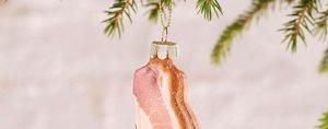 Dieses Jahr haben wir den Weihnachtsbaum mit Speck behängt