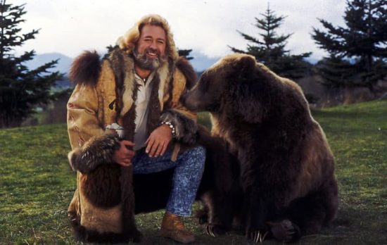 "Grizzly Adams: ""Der Mann in den Bergen"" morto"