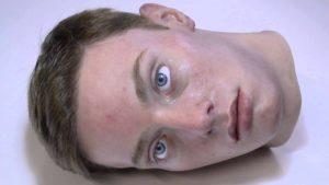 Animatronischer, scheinbar lebendiger Kopf