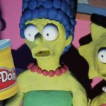 Lee Hardcastle med sin blodige Simpsons Couch Gag