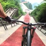 Mountainbike Downhill bij 50% hellen