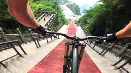 mountainbike downhill bei 50 gef lle dravens tales from. Black Bedroom Furniture Sets. Home Design Ideas