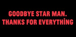 "Uber 500 Menschen singen David Bowies ""Space Oddity"""