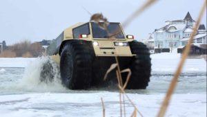 Amphibienfahrzeuge auf dünnem Eis