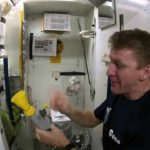 Poop in space – or how to empty his bowel in weightlessness