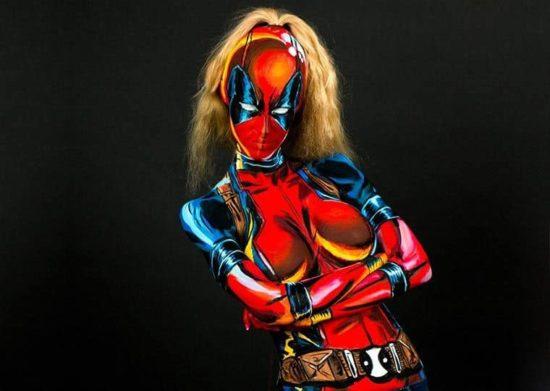 As transformações para o Super Hero of Kay Pike