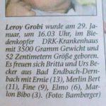 Die Geschwister Ernie, Bert, fine, Elmo und Bibo gratulieren ihrem Bruder Leroy Grobi