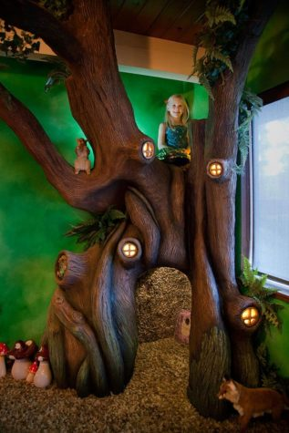 Papa transformed guestrooms daughter in a fairytale forest