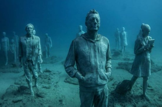 eerste onderwater museum van Europa maakt de zeebodem naar de kunstgalerie