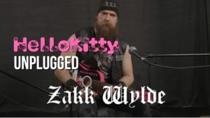 Zakk Wylde piilevät Black Sabbath on Hello Kitty kitara