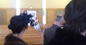 Kleiner Bub als Weddingcrasher