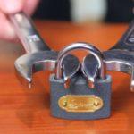 Jak złamać kłódki z dwóch kluczy