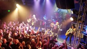 "Guns N' Roses Reunion: ""Welcome to the Jungle"" Live in Troubadour"