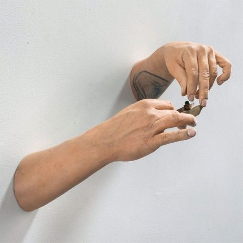Fingerfertige Wandskulpturen
