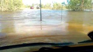 Z Land Cruiser przez rzekÄ™