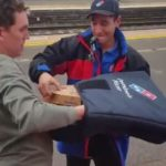 Pizza Delivery in treno