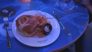 Rollercoaster Restaurant: Hvis maden er tjent med mini-rutschebane