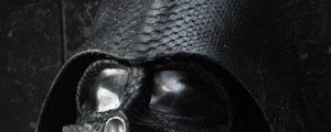 Darth Vader Helm aus Schlangenhaut