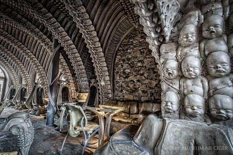 h r giger bar im h r giger museum dravens tales from the crypt. Black Bedroom Furniture Sets. Home Design Ideas
