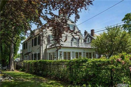 Amityville: Das echte Horror-Kult-Haus steht öffentlich zum Verkauf