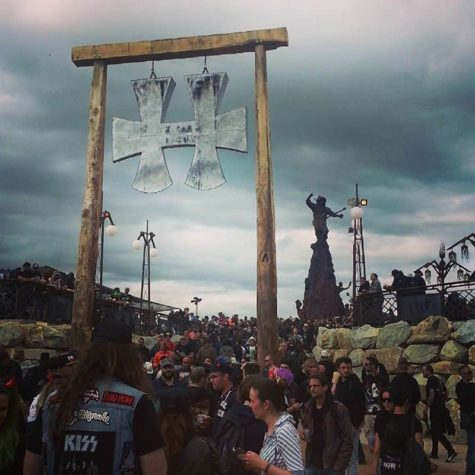 Hellfest 2016: 15 Meter high homage to Lemmy