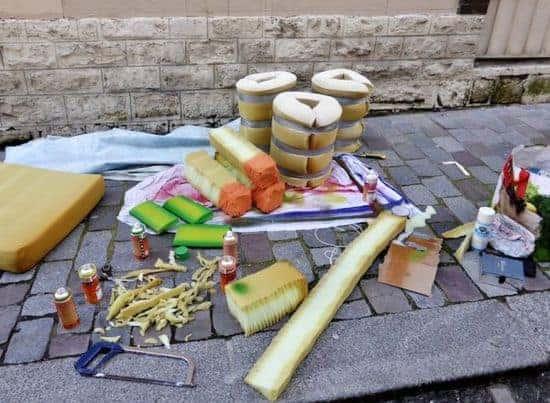 Artiste Transforme Vieux Matelas En Grande Nourriture Tales From