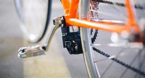 In seconds the bike to E-bike: The retrofit electric drive for bikes