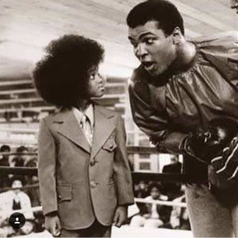 Very Rare Photo of Muhammad Ali 'The Greatest of All Time' With King of Pop Little 'Michael Jackson'