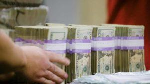 Wat gebeurt er met afgedankte dollarbiljetten