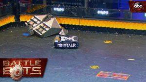 Battlebots: Blacksmith vs. Minotaur - So cool können Roboterkämpfe sein