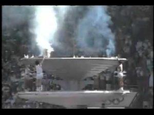 Gebratene Tauben bei der Entzündung des Olympisches Feuers in Seoul 1988