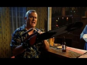 Bruce Campbell aka Ash tells us about the pros- and disadvantages of a Chainsaw Hand on