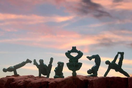 Yoga Joes: yoga Plastik askerler