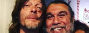 The Walking Dead étoiles Norman Reedus alias mit rockt Daryl Dixon Anthrax und Slayer