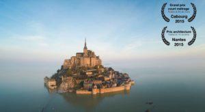 Mont Saint-Michel: mosteiro visto com um drone e em um vídeo de 360 °