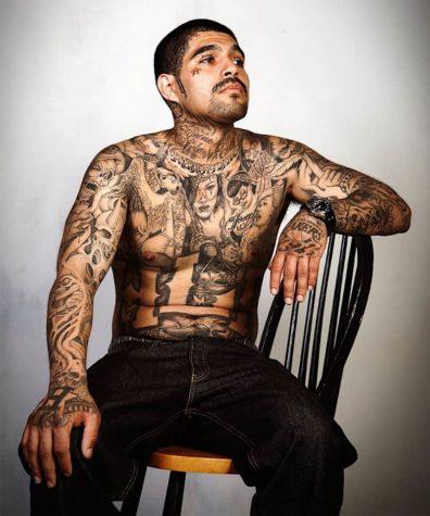 Gang-Tattoos digital entfernt