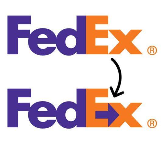 Fedex versteckte einen kleinen Pfeil zwischen den Buchstaben E und x, was den Vorwärtsimpuls und die Effizienz darstellen soll