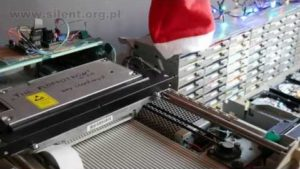 "64 Floppy Drives spielen ""Last Christmas"""