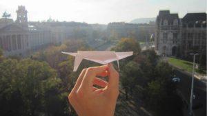 Wie man den besten Papierflieger der Welt baut