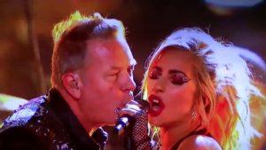 Fremdschäm-øjeblik af dagen: Metallica og Lady Gaga på Grammy fælles udseende