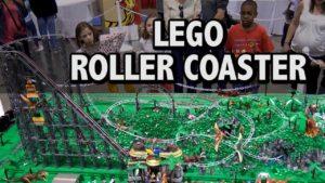 rollercoaster Lego dans un parc d'attractions Dinosaur