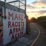 Faça racistas medo de novo
