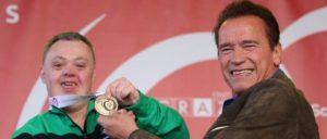Olimpiadas Especiales: Arnold Schwarzenegger ingeniosa respuesta a un comentario de odio