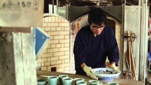 Wie japanische Kirschblüten-Porzellanteller entstehen