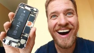 Complete iPhone itself built from spare parts