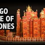 "Motorisierter ""Roter Bergfried"" Of ""Game of Thrones"" made entirely of Lego"