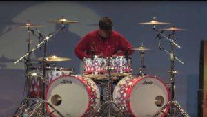 Quando dois bateristas compartilhar um tambor