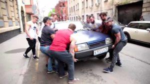 Stop a Douchebag: Wenn sich Bodybuilder um Verkehrregeln kümmern